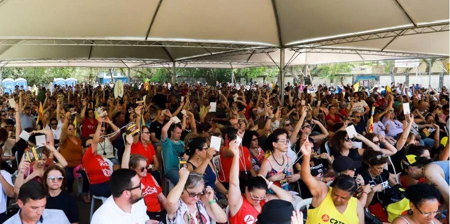 Maioria decide por encerrar greve dos professores em Assembleia Geral do Cpers nesta terça-feira