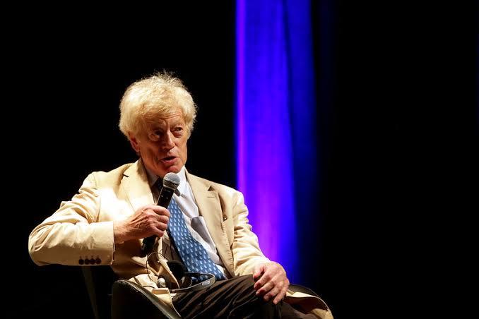 Morre Roger Scruton, grande filósofo conservador. O pensador britânico palestrou em Porto Alegre no Fronteiras do Pensamento 2019