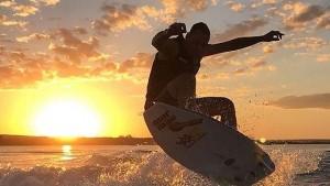 Festival de Surf em Porto Alegre. Neste sábado é dia de pegar onda no Guaíba