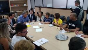 Reunião entre governo e Cpers termina sem definição sobre encerramento da greve