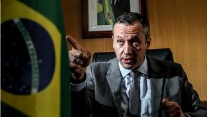 Após polêmica em vídeos com referências ao nazismo, presidente determina a saída do responsável pela pasta, de O Estado de S.Paulo