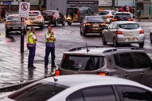 Equipes da prefeitura trabalham para minimizar impactos da chuva