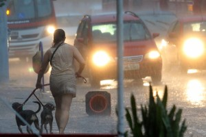Temporal despenca sobre Porto Alegre nesta quarta-feira