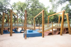 Cyrela Goldsztein entrega playground inspirado em parques de diversoslugares do mundo à Redenção