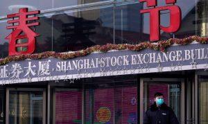 Após anúncio de Trump, índice Nikkei desaba na Bolsa de Tóquio