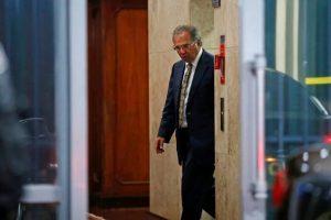 Em reunião sobre coronavírus, Guedes irrita deputados e senadores com 'aula de história'
