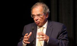 Em ofício ao Congresso, Guedes pede reformas para conter crise