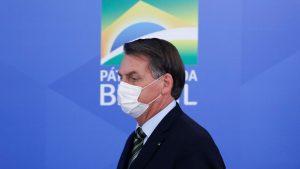 Brasilianistas não acreditam em impeachment de Bolsonaro e temem ameaças à democracia brasileira