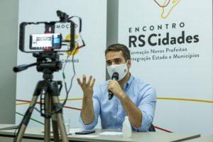 """""""Estado quer ser parceiro para investimentos nos municípios"""", afirma governador ao encerrar o Encontro RS Cidades"""