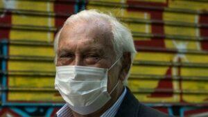 Retorno à vida normal pode acontecer só em 2023, prevê epidemiologista que aconselha governo francês; RFI