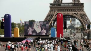 Paris tem fan zone para assistir à Olimpíada em meio à explosão de casos da variante Delta; RFI