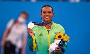 Rebeca Andrade fatura prata, 1ª medalha na ginástica feminina do país. Paulista fica à frente do Comitê Russo, com tem tradição na modalidade