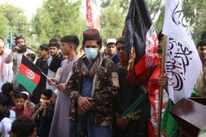 Milhares de afegãos protestam nas ruas contra o Governo do Talibã pelo segundo dia; El País