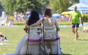 Entre igualdade e tradição, os suíços decidirão sobre o futuro do casamento; SwissInfo
