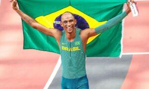 Tóquio 2020: Alison dos Santos é bronze nos 400 m com barreiras. Aos 21 anos, brasileiro faz 46s72 em prova com recorde mundial