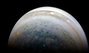 Astrônomo amador brasileiro registra impacto em Júpiter