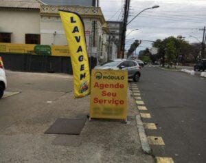 Porto Alegre: Ações combatem propaganda irregular em calçadas
