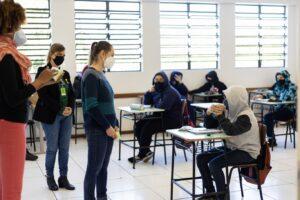 Setembro Amarelo: roda de conversa aborda o tema da saúde mental com alunos da rede municipal de ensino