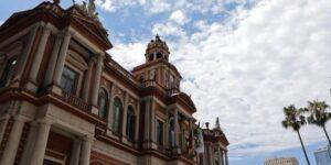 Prefeitura flexibiliza uso de piscina e realização de eventos sociais em condomínios em Porto Alegre; Correio do Povo