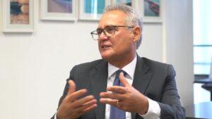 Renan diz que amizade com Lula não tira legitimidade da CPI; BBC