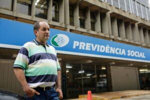Orçamento de 2022 ignora fila de espera do INSS; custo pode ir a R$ 11 bi; O Estado de São Paulo