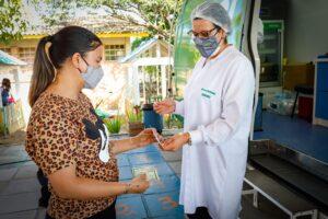Porto Alegre: Capital mantém vacinação contra a Covid-19 em 54 pontos nesta sexta-feira