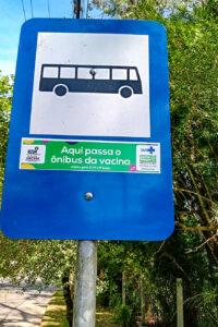 Porto Alegre: EPTC instala adesivos indicativos de onde passarão as linhas gratuitas para o Dia D de vacinação