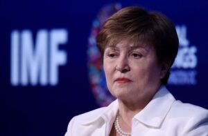 Debate sobre continuidade de Kristalina Georgieva à frente do FMI ofusca reunião com Banco Mundial; El País