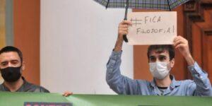 Professores protestam contra a retirada da Filosofia da grade curricular; Correio do Povo