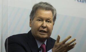 Arthur Virgílio defende legado de FH e se emociona em debate dos pré-candidatos do PSDB; O Globo